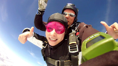 Tandemmichl, tandem skydive; tandem freefall, skydive, parachuting, tandem parachuting, jumping out of planes